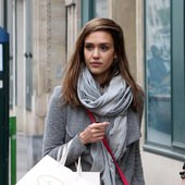 潔西卡艾芭(Jessica Alba)於法國巴黎採購Bonpoint童裝 (474x640)